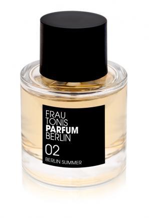 02_berlinsummer_frau_tonis_parfum